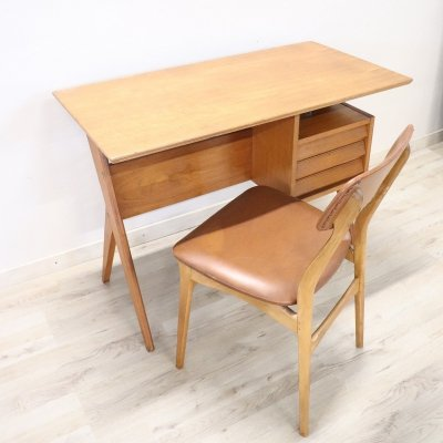 20th Century Italian Design Writing Desk with Chair by Gio Ponti, 1960s