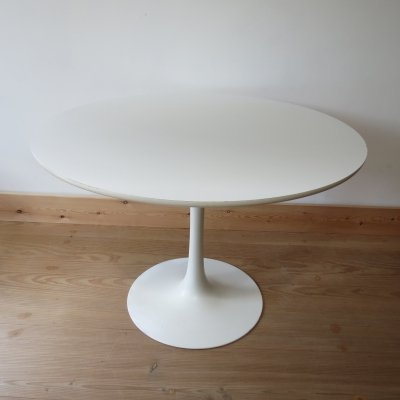 1960s White Tulip Dining Table by Arkana