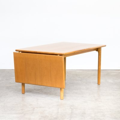 Kurt Østervig oak drop leaf dining table for KP Mobler, 1970s