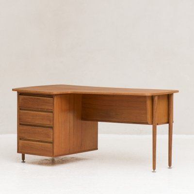 Kidney shaped freestanding writing desk with tapered legs, Holland 1960