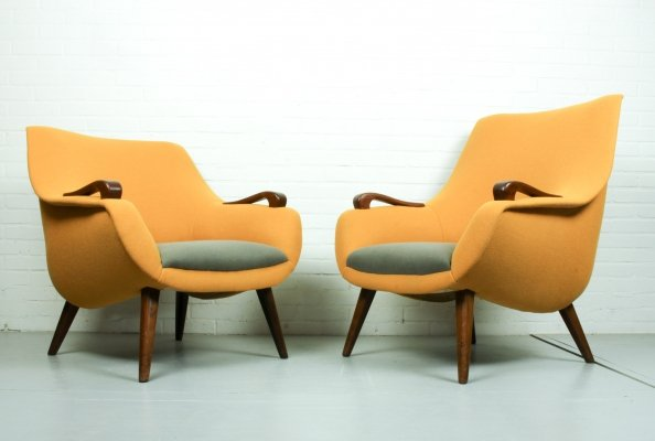 Vintage egg shaped lounge chairs, Dutch Design 1950s