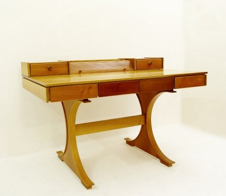 '530 Desk' by Gianfranco Frattini for Bernini, 1960s