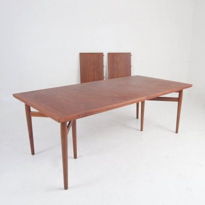 Dining table by Arne Vodder for Sibast Møbler