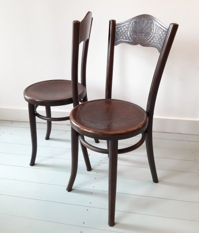 Pair of dining chairs by Jacob Kohn & Josef Kohn for Thonet Mundus, 1920s