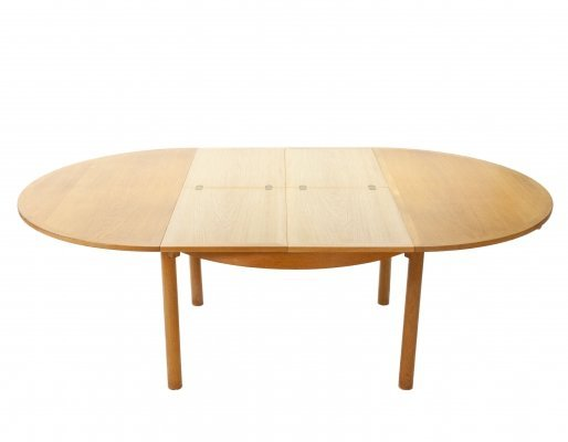 Large oak extendable round dinner table by Børge Mogensen for Karl Anderson