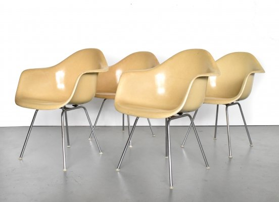 Set of 4 Dax dining chairs by Charles & Ray Eames for Herman Miller, 1950s