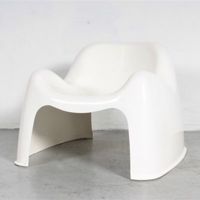 White Toga chair by Sergio Mazza for Artemide, 1960s