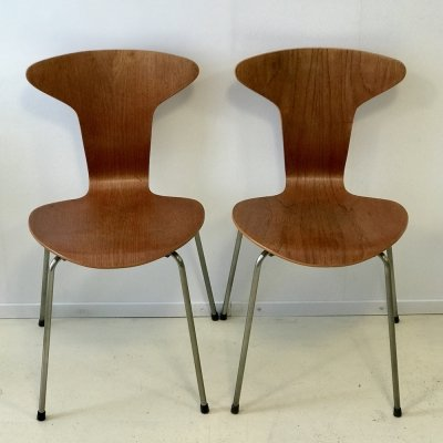 Pair of Mosquito 3105 'Munkegaard School' chairs by Arne Jacobsen for Fritz Hansen, 1960s