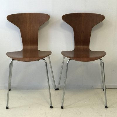 Pair of Mosquito 3105 'Munkegaard School' chairs by Arne Jacobsen for Fritz Hansen, 1950s