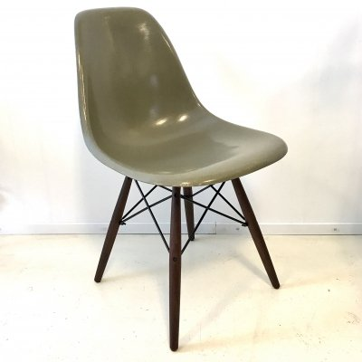 Glassfibre Sideshell chair by Charles & Ray Eames for Herman Miller, 1970s