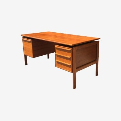 Teak 'Floating Top' Desk by GV Mobler