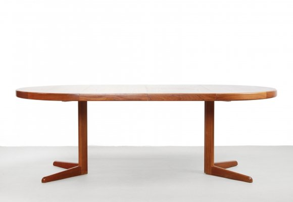 Round Extendable teak dining room table by Niels O. Møller for Gudme Møbelfabrik