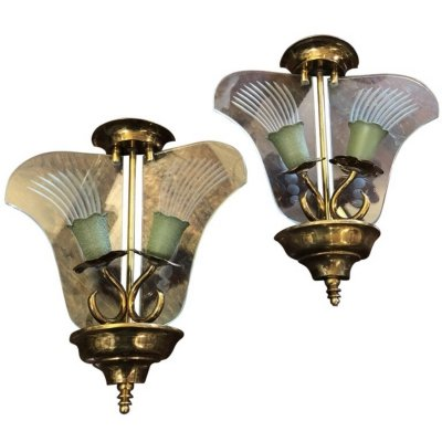 Set of Two Art Deco Brass & Engraved Glass Italian Wall Sconces, circa 1935