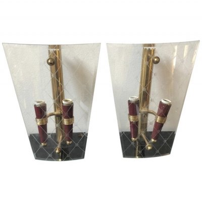 Mid-Century Modern set of Two Brass & Engraved Glass Italian Wall Sconces, 1950s