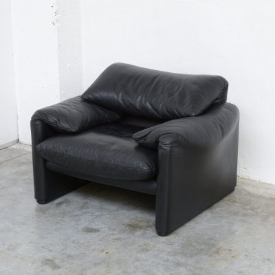 Black Leather Maralunga Easy Chair by Vico Magistretti