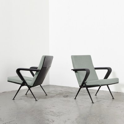 Pair of Friso Kramer 'Repose' Lounge Chairs for Ahrend de Cirkel, 1959