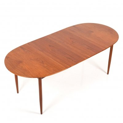 Modern Danish expandable Teak Dining Table