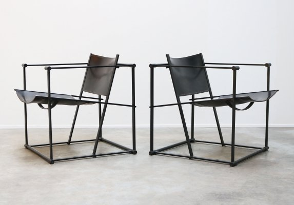 Pair of Minimalist FM62 lounge chairs in black by Radboud van Beekum for Pastoe