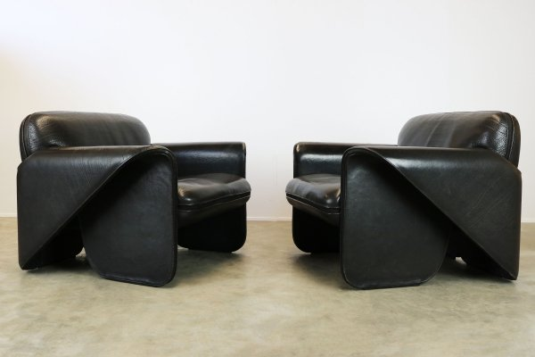 Rare pair of Swiss DS125 lounge chairs in Black leather by Gerd Lange for De Sede, 1978