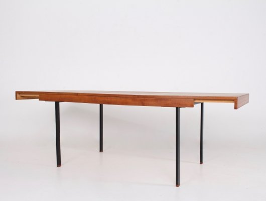 Modernist extensible dining table by Pierre Guariche for Meurop