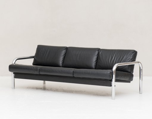 3-seater sofa with curved chrome frame & black leather cushions