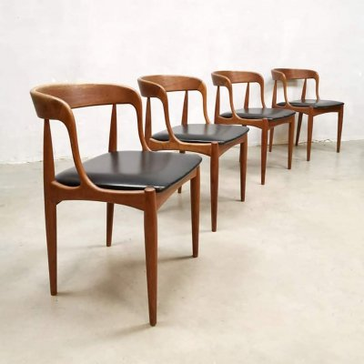 Set of 4 vintage dining chairs by Johannes Andersen for Uldum