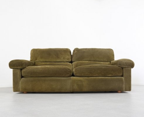 Petronio sofa in olive green suede by Tito Agnoli for Poltrona Frau, Italy 1975
