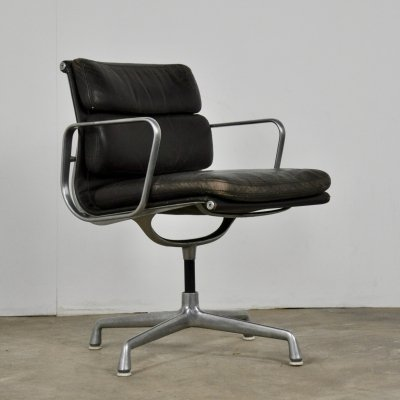 EA 208 Soft Pad Chair by Charles & Ray Eames for Herman Miller, 1970s