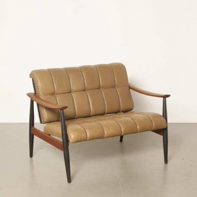 Loveseat based on armchair 138 by Finn Juhl for France & Son