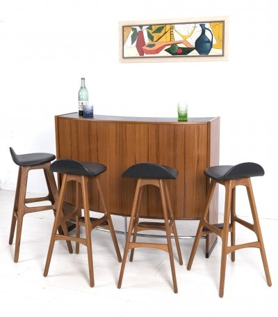 Erik Buch dry bar including 4 stools for Oddense Maskinsnedkeri