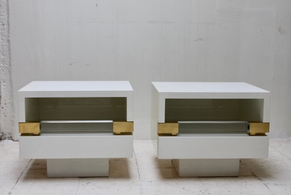 Pair of nightstands in lucite, brass & lacquered wood with one drawer