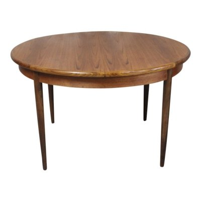 Vintage teak round table with hidden extension by VB Wilkins for G-PLAN, 1960s