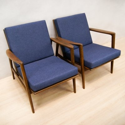 Pair of Model 300-139 Armchairs by Swarzędzka Furniture Factory, 1960s