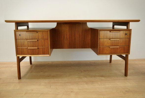 Model 75 Freestanding Teak Desk by Omann Jun, 1960s
