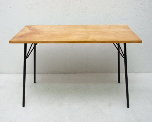 Mid century modern small coffee table, 1960s