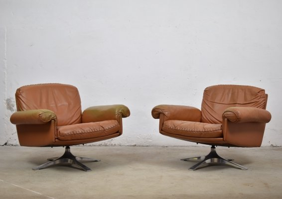 Great pair of DS31 swivel lounge armchairs by De Sede, Switzerland 1970's