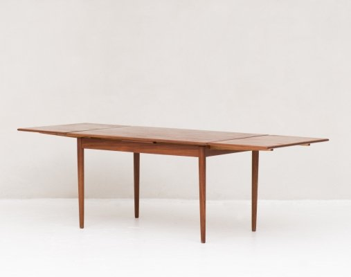 Extendable dining table, the Netherlands 1960's