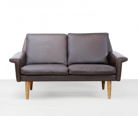 Brown leather two seater sofa by Vejen Pølstermøbelfabrik