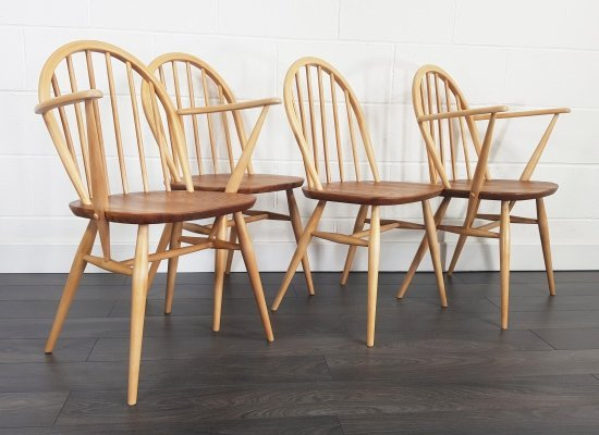 Set of 4 Windsor Chairs & Windsor Armchair by Lucian Ercolani for Ercol
