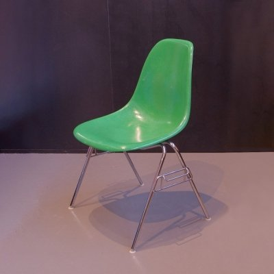 Charles & Ray Eames Kelly green fiberglass chair