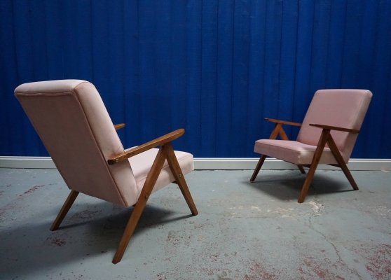 Pair of Champagne Pink Velvet Mid Century Modern Easy Chairs, 1960's