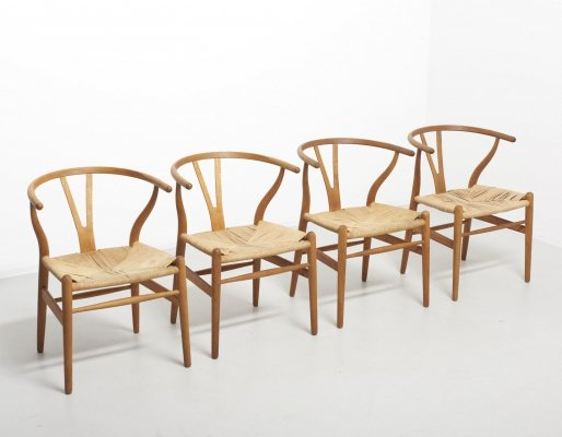 Set of 4 'wishbone' chairs in oak by Hans J. Wegner, 1990s