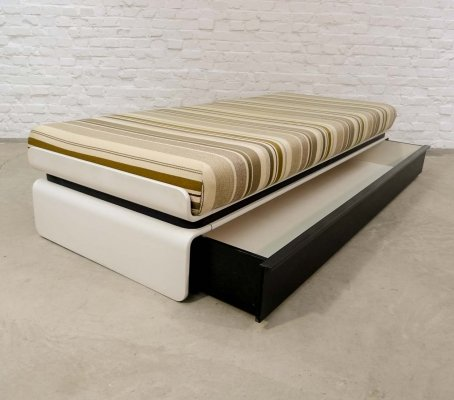 Mid Century Italian Design Daybed with Drawer by Luigi Colani for COR, 1970s