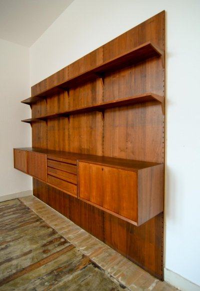 Mid-Century Design Large Nutwood Cado Wall Unit by Cadovius, Denmark 1960s
