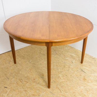 Round table in teak by Niels Otto Moller