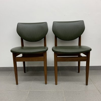 Set of 2 green dining chairs, 1960's