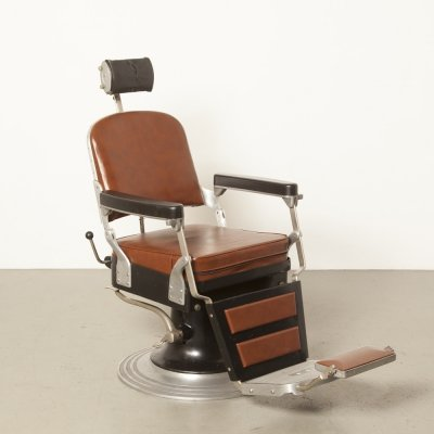 Black Nike 'model 555' Barber's chair, 1940s