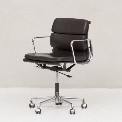 Office chair by Charles & Ray Eames for Vitra, 1960s