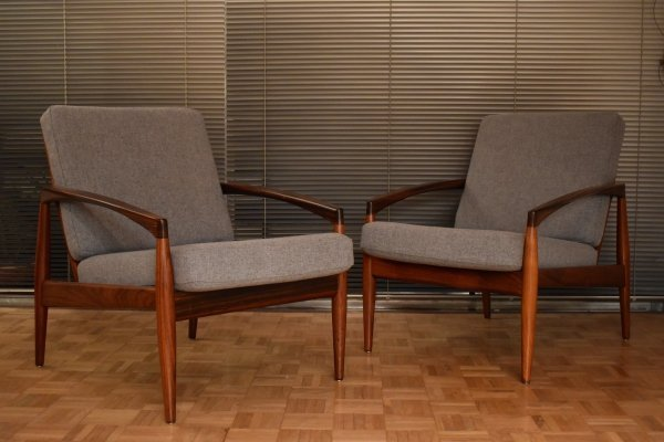 Pair of Kai Kristiansen Rosewood Model 121 'Paperknife' Chairs