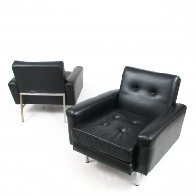 Pair of lounge chairs in black vinyl, Italy 1960s